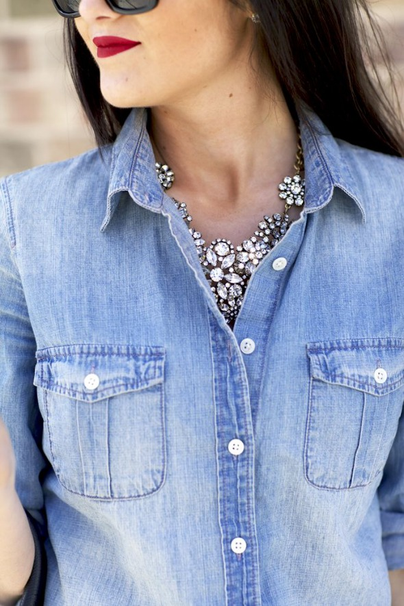 chambray-shirt-with-necklace