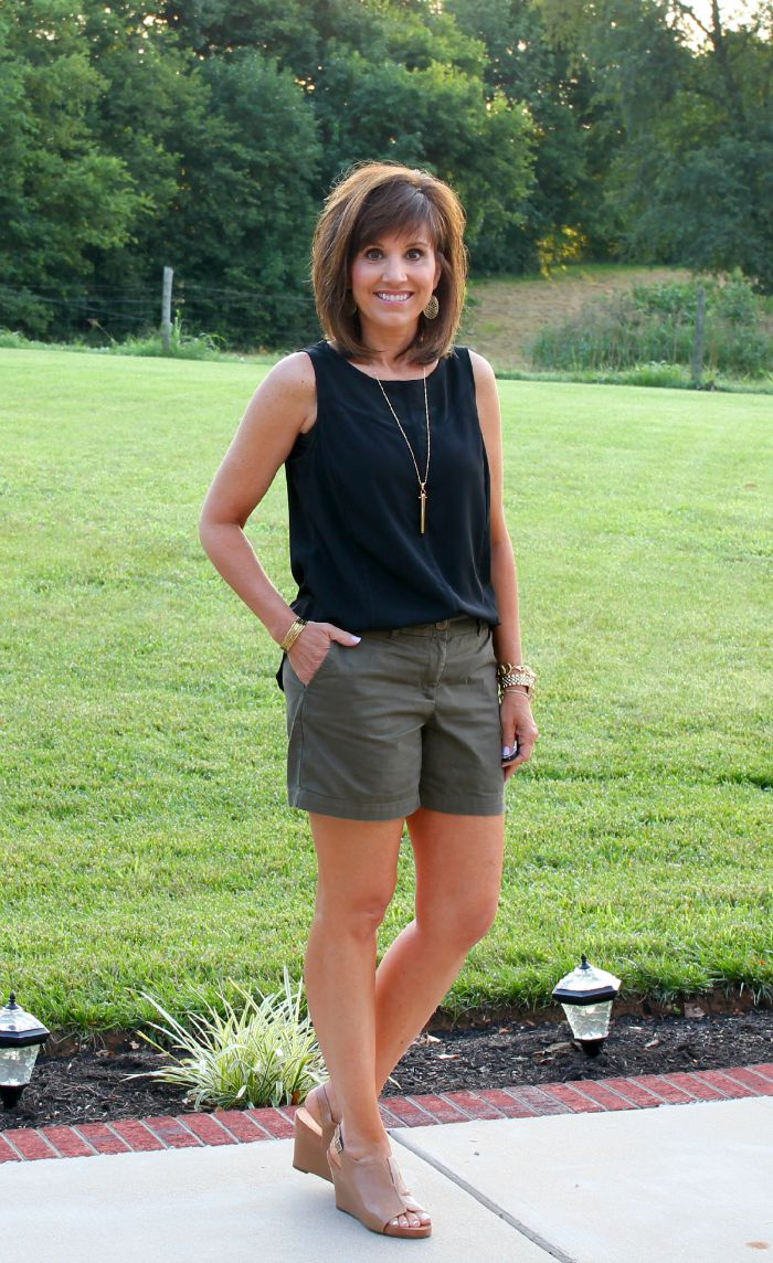 Summer Fashion For Women Over 40 - Cyndi Spivey