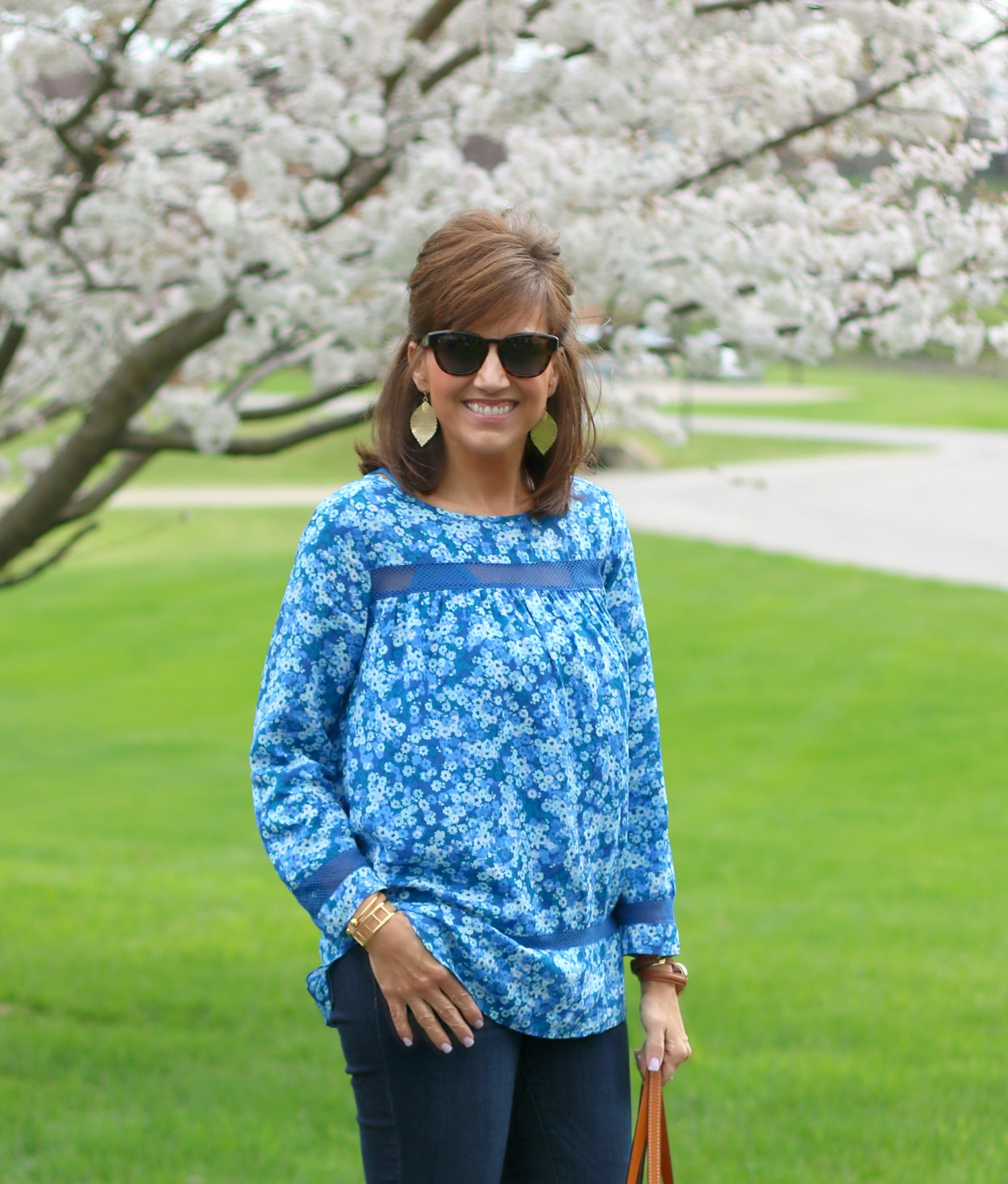 27 Days of Spring Fashion: Gap Top With Denim and Wedge Heels