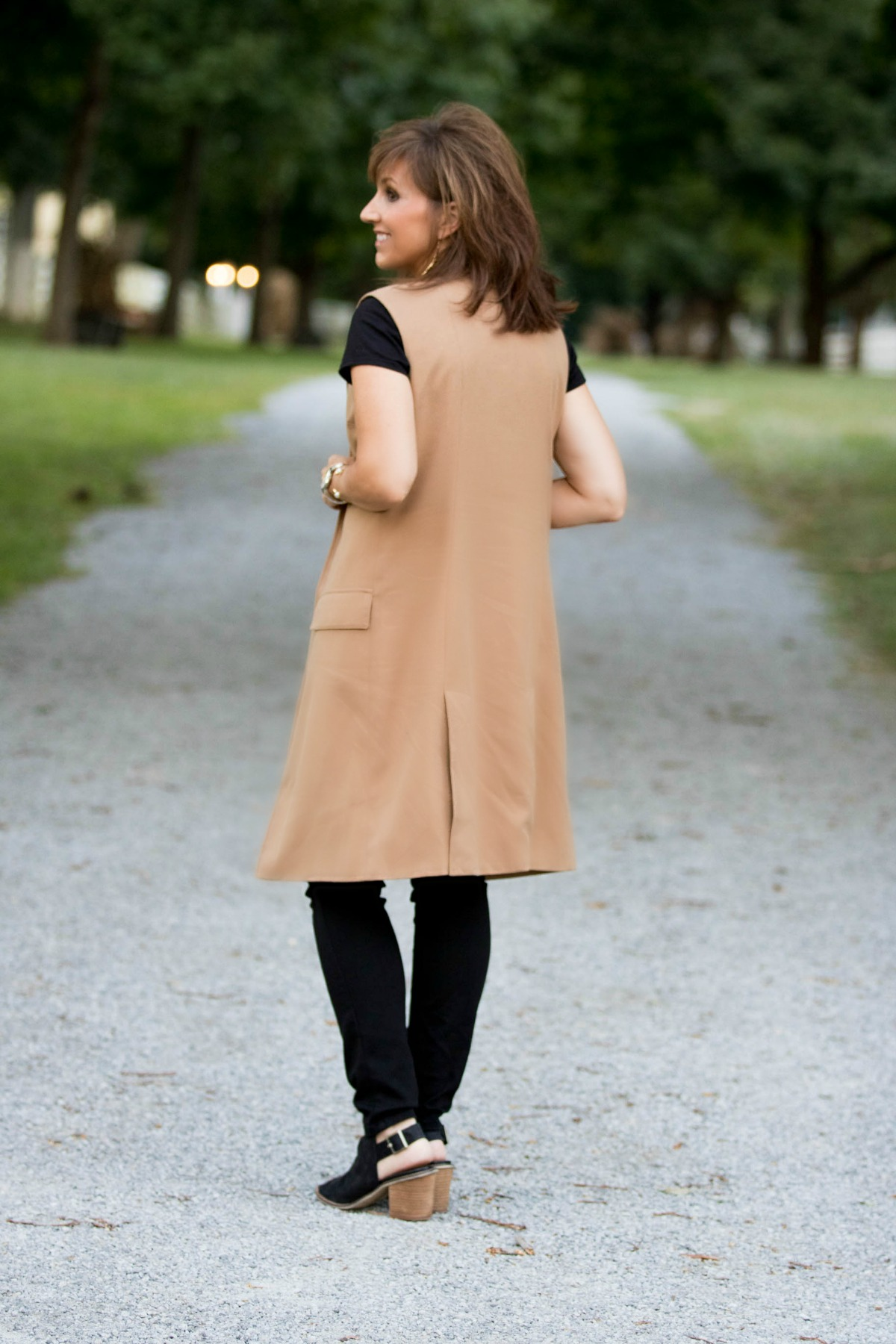 sleeveless-coat-14