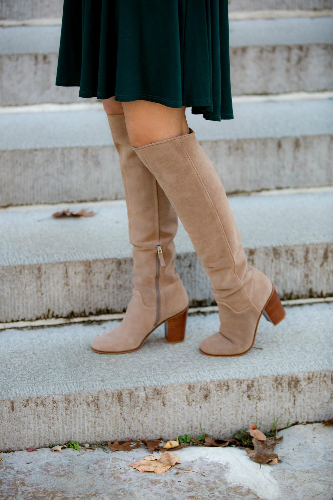 Fashion blogger, Cyndi Spivey, styling a casual holiday dress.