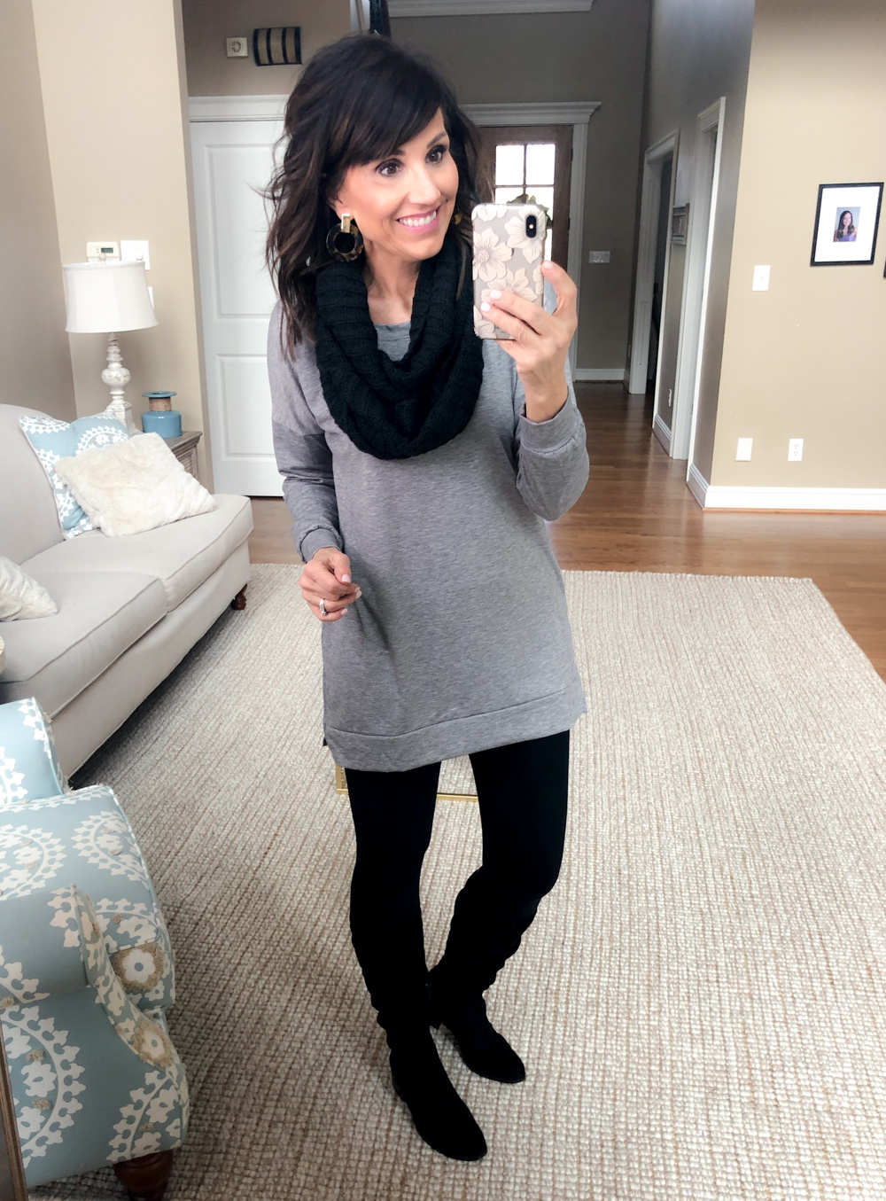 How to Wear a Gray Tunic + Black Leggings 4 Ways