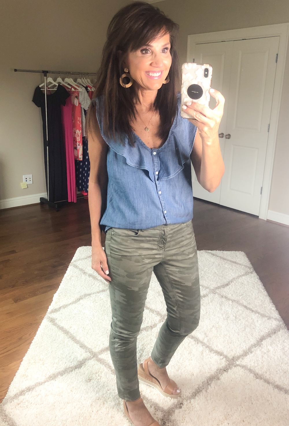 5 Ways to Wear A Sleeveless Chambray Blouse