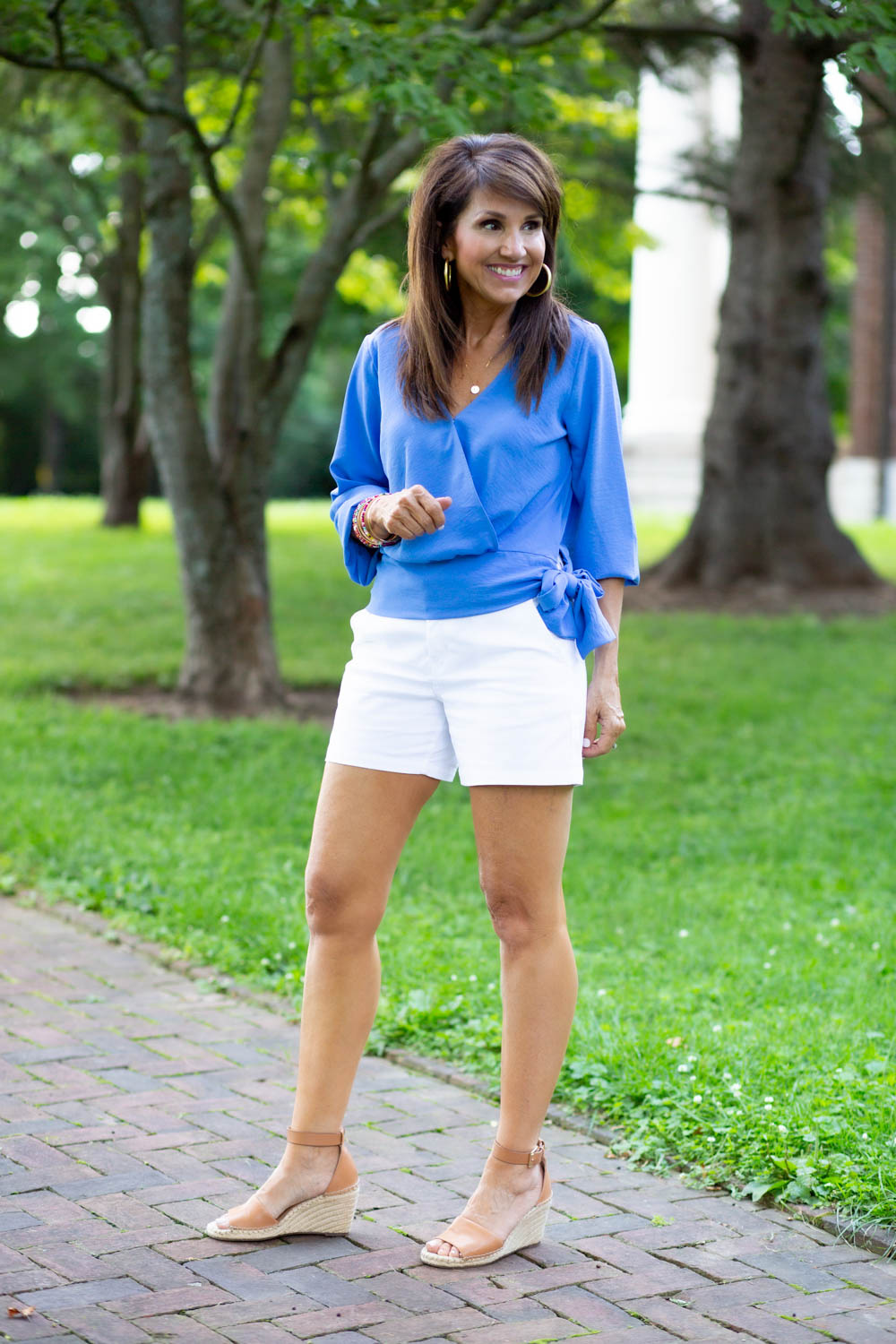 3 White Short Outfits for Summer