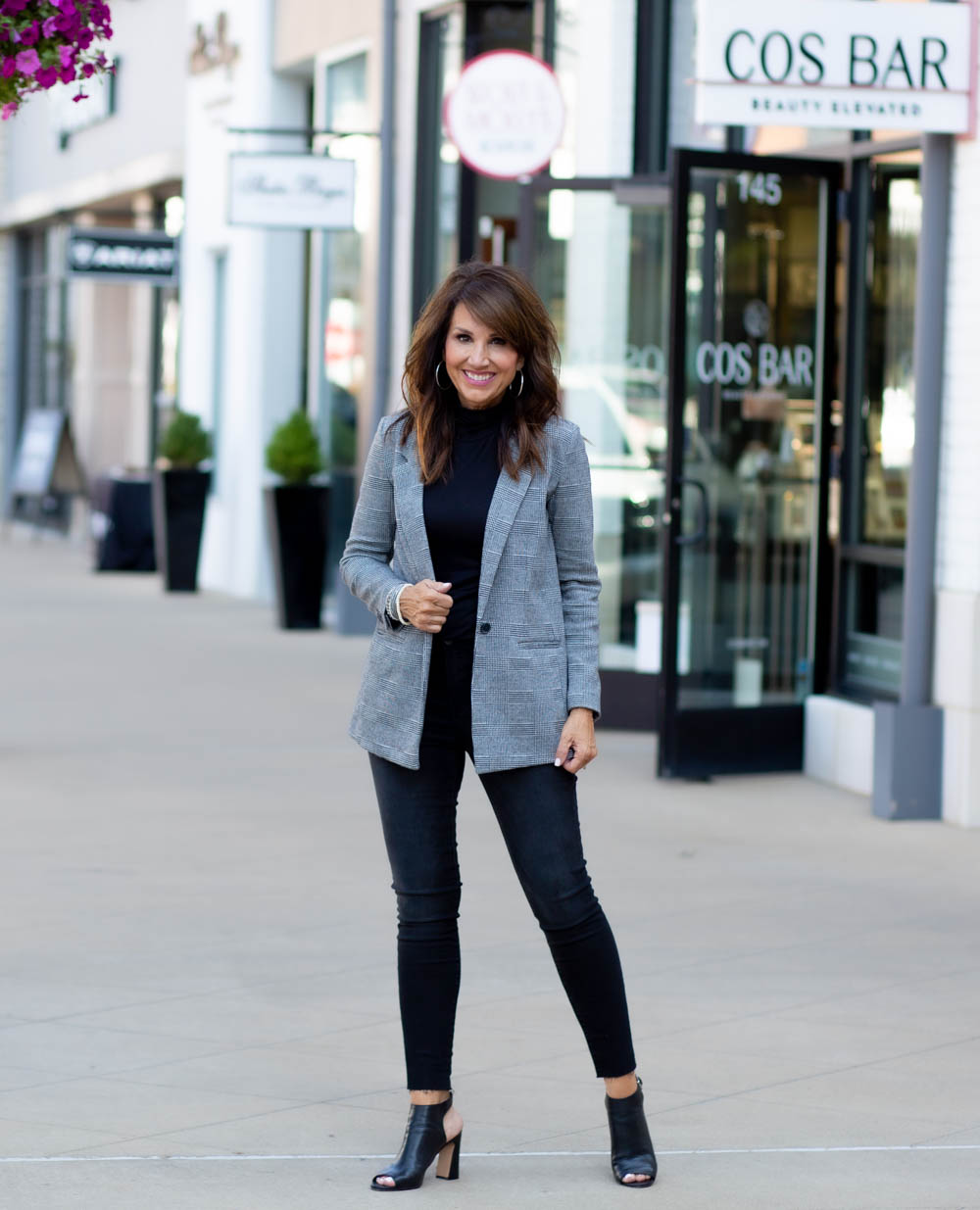 5 Ways to Look Chic on a Budget