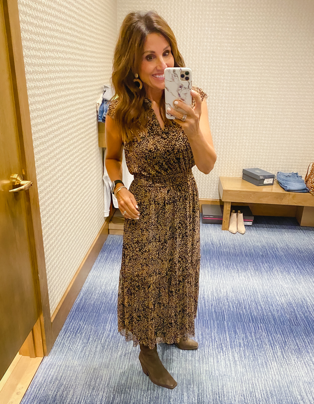 5 Ways to Transition your Wardrobe from Summer to Fall: Women Over 40